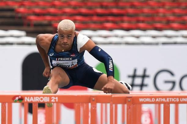 Chàng trai 2002 phá kỷ lục thế giới U20 chạy 110m rào tồn tại 19 năm