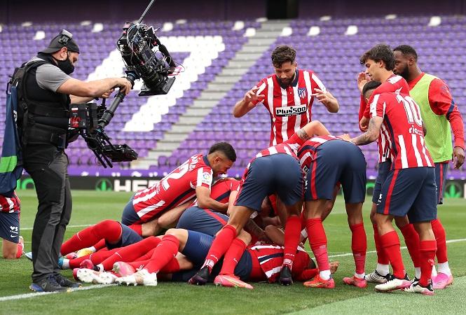 Atletico vô địch La Liga kịch tính chưa từng có trước kình địch Real