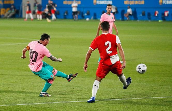 Messi, Suarez hay Ronaldo: Ai ghi nhiều bàn và kiến tạo nhất mỗi mùa?