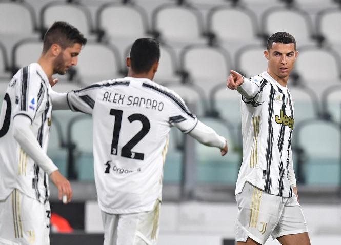 Ronaldo trải qua 14 mùa liên tiếp đạt cột mốc ghi bàn ấn tượng