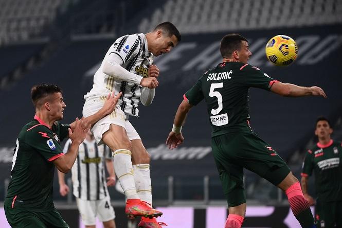 Bí quyết đằng sau cú bật nhảy đánh đầu ngoạn mục của Ronaldo