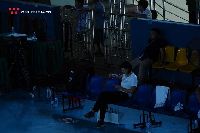 NTĐ Hà Tĩnh lại mất điện, trận Ngân hàng Công thương vs Than Quảng Ninh phải tạm dừng