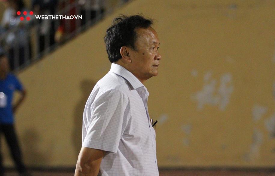 Chủ tịch CLB SLNA: Trọng tài đang phá bóng đá Việt Nam