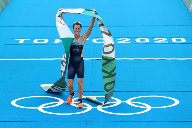 HCV Olympic lịch sử của cô gái triathlon cho hòn đảo chưa đến 64000 dân