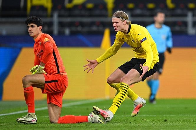 Erling Haaland lập kỷ lục ghi bàn ở tuổi 20 tại Champions League