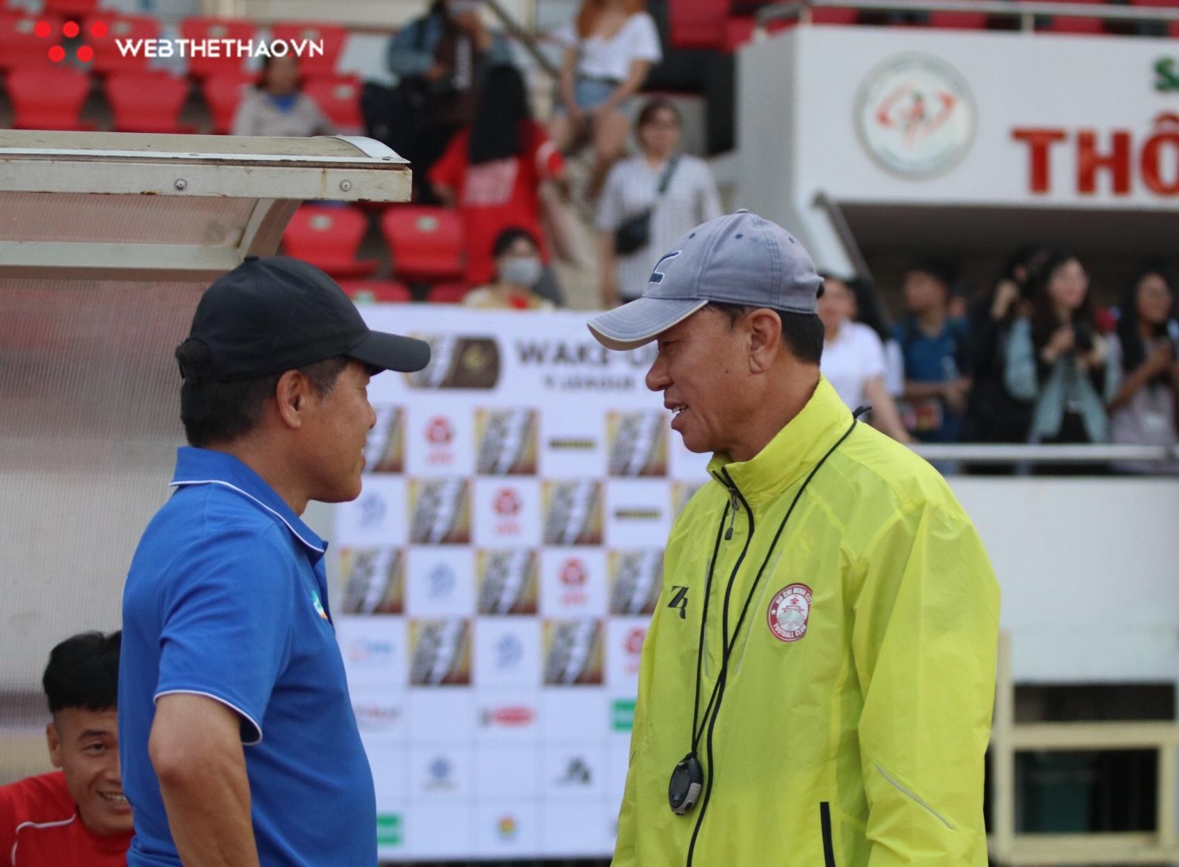 """Trong cái """"rủi"""", đồng hương của ông Park lại đón cái """"may"""" trước đại chiến với đội bóng của Quang Hải"""