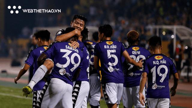 """Quang Hải, Bùi Tiến Dũng bị BLĐ Hà Nội FC """"tuýt còi"""" trước đại chiến với HAGL"""
