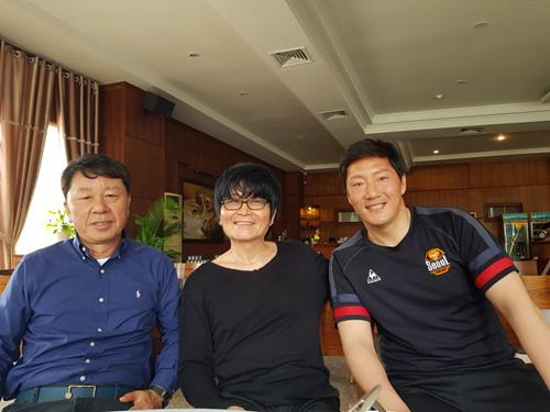 Bác sỹ của Park Ji Sung trở thành bác sĩ của Quang Hải, Công Phượng