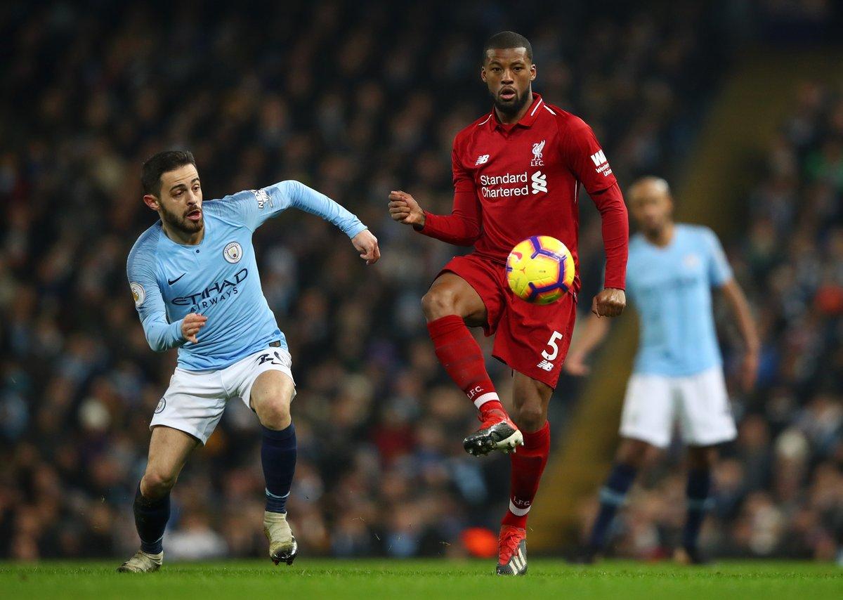 """""""Người không phổi"""" Bernardo Silva di chuyển quãng đường khó tin ở trận gặp Liverpool"""