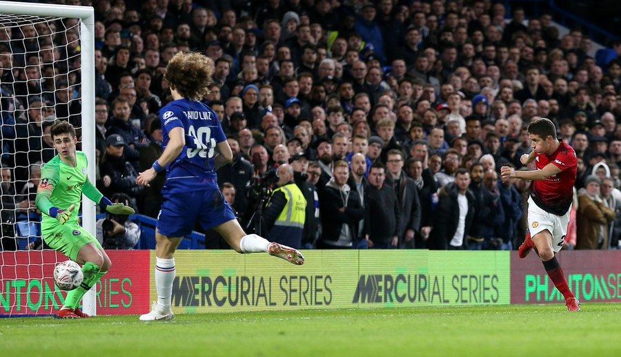 Paul Pogba lập thành tích phi thường và 5 điểm nhấn từ trận Chelsea - MU
