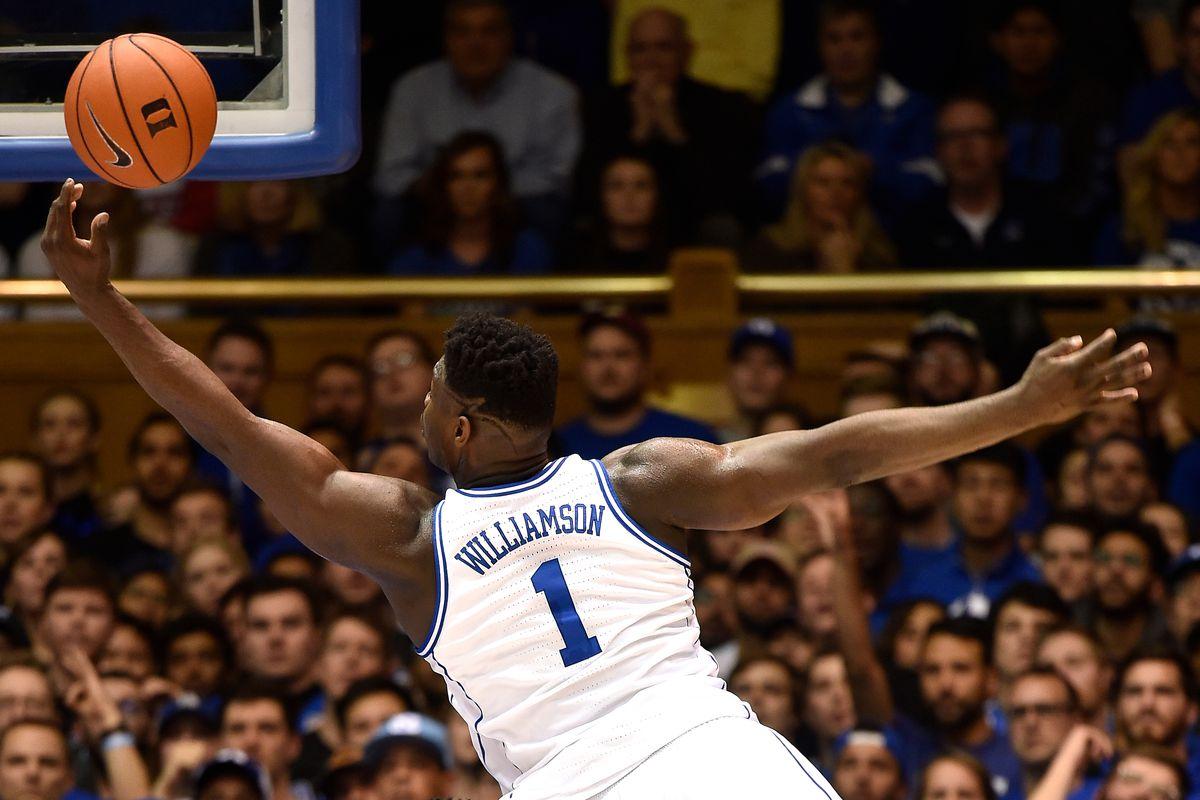 Curry nói về Zion Williamson: Cậu ấy có những tố chất mà bọn trẻ phải học