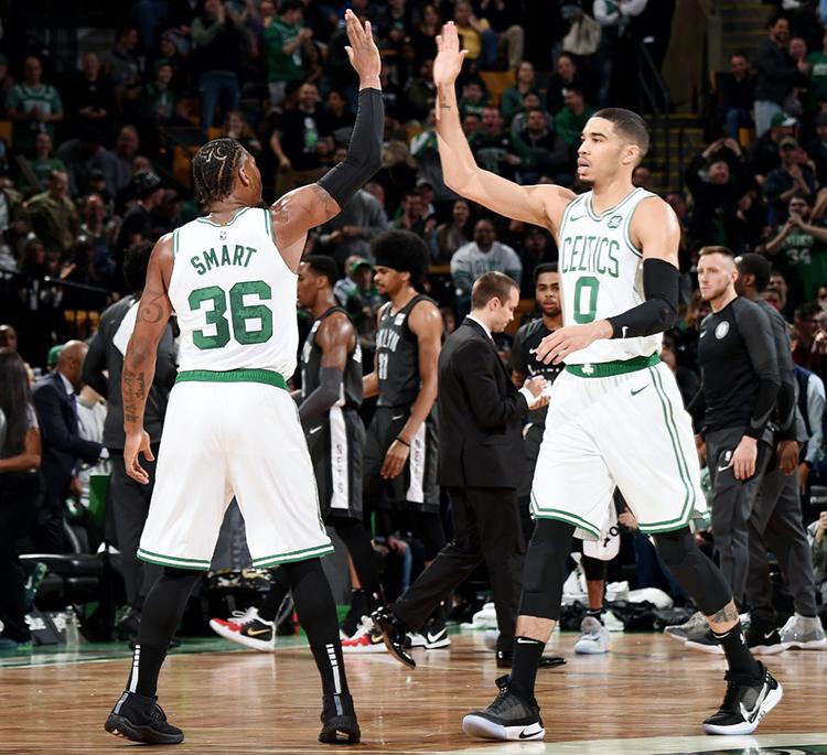 Hoá ra người đang giải cứu mùa giải của Boston Celtics không phải Kyrie Irving mà là Marcus Smart