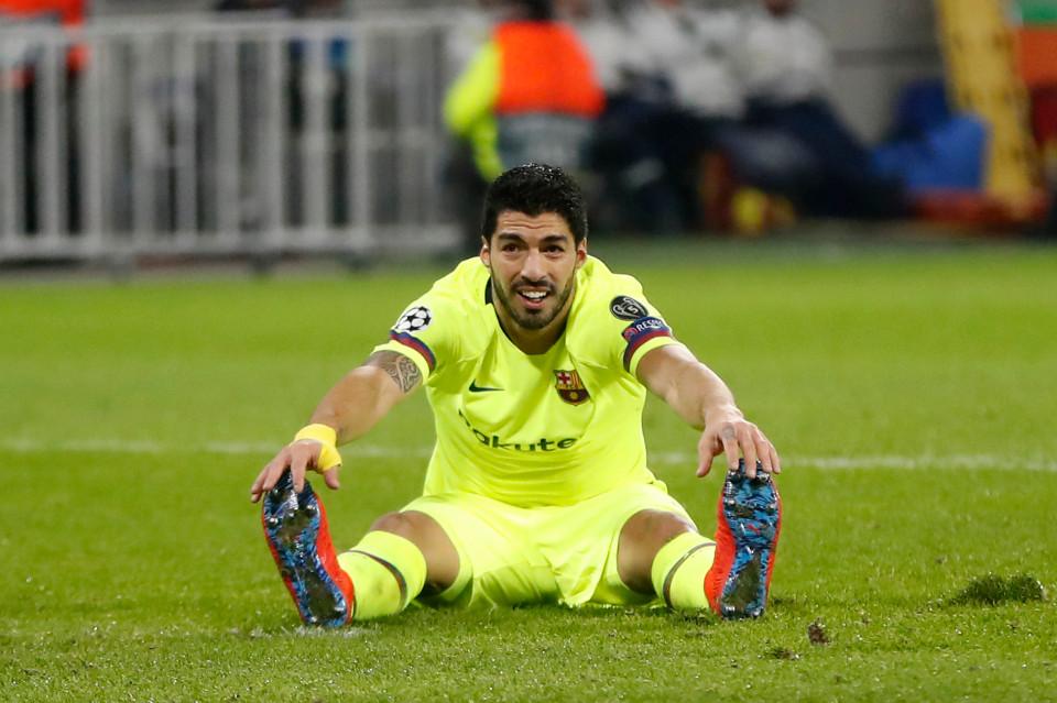 Phản ứng khó tin của HLV Barca trước kỷ lục tịt ngòi tệ hại của Luis Suarez