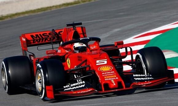 Bản tin Thể thao 24h: Xe đua F1 của Mercedes cho Lewis Hamilton mùa này chậm hơn Ferrari