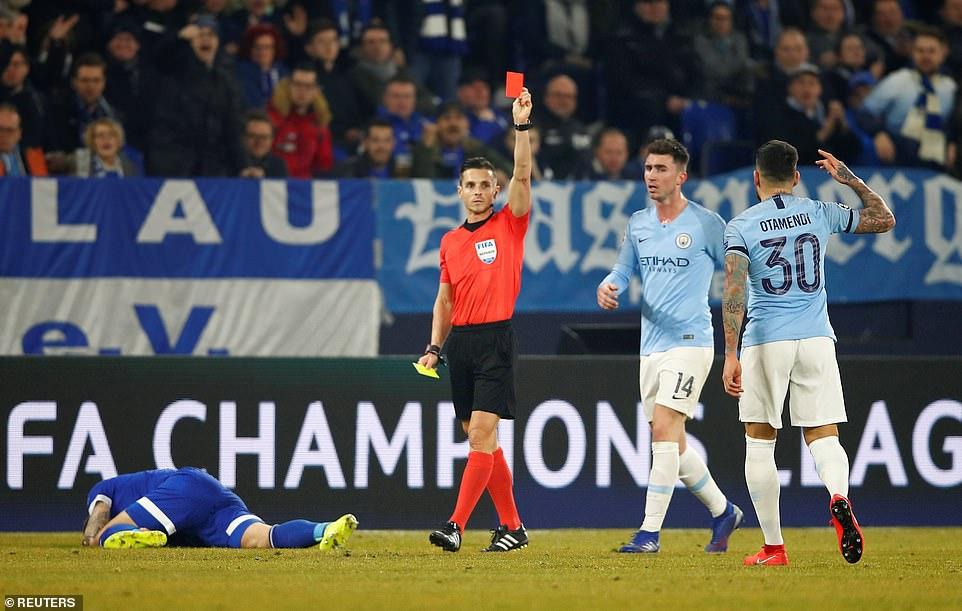Sane - Sterling cứu rỗi trong 5 phút, tranh cãi VAR và những điểm nhấn ở trận Schalke 04 - Man City