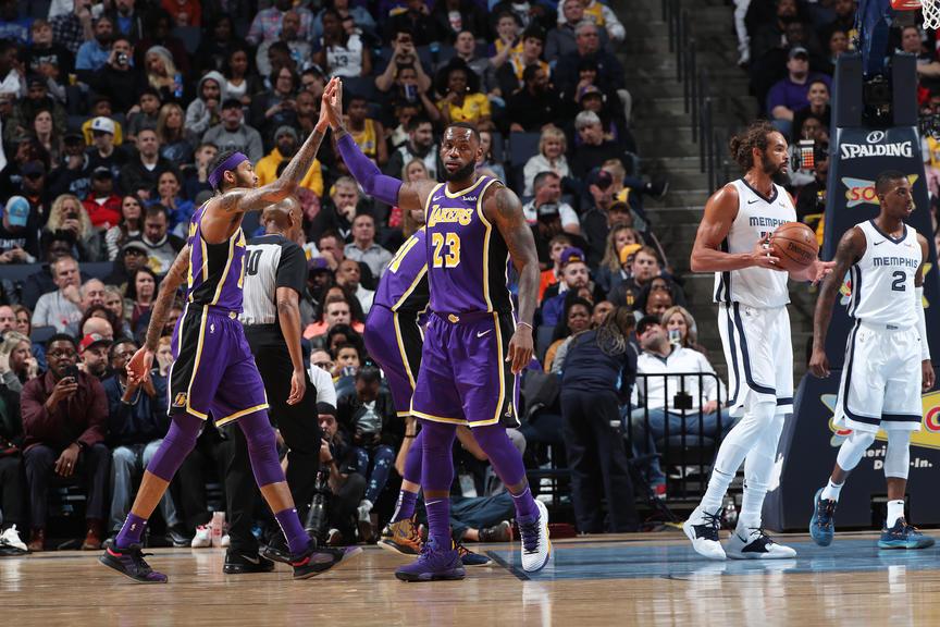 Nhân sự cấp cao NBA khẳng định LeBron James chính là người giết chết sự đoàn kết ở LA Lakers