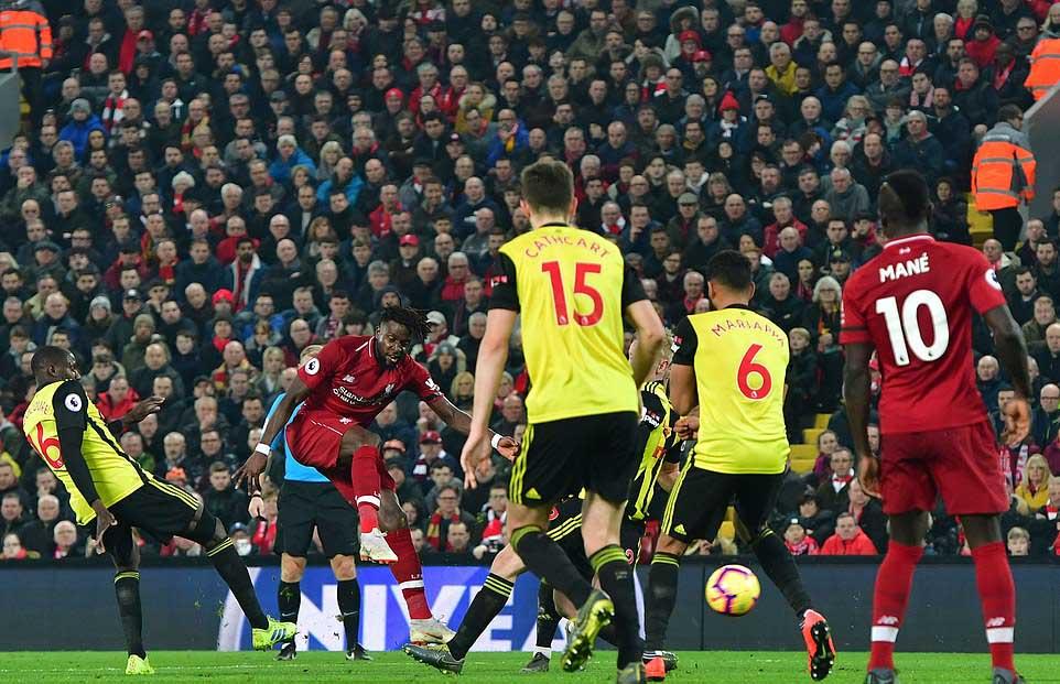 Song sát Mane - Van Dijk rực sáng, Arnold lập kỷ lục và những điểm nhấn trận Liverpool vs Watford
