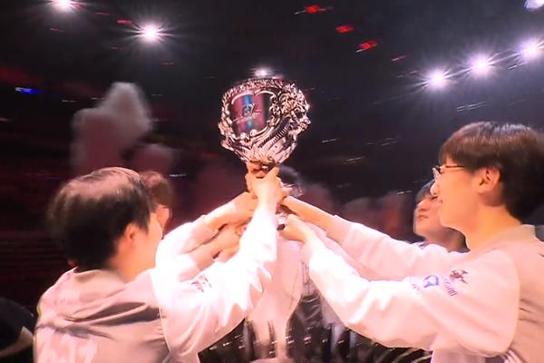 Hủy diệt Jindong Gaming, Invictus Gaming chính thức trở thành Tân Vương của giải LPL mùa Xuân 2019