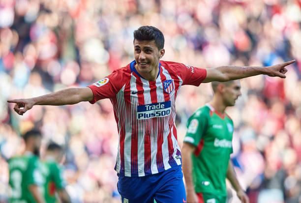 Man City phá kỷ lục chuyển nhượng cho cầu thủ thay thế Fernandinho