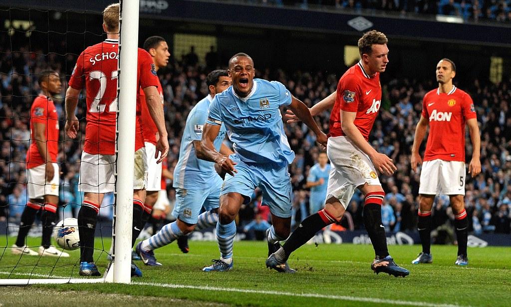 Vì sao Liverpool và MU sẽ không vui khi biết danh tính trọng tài bắt chính derby Manchester