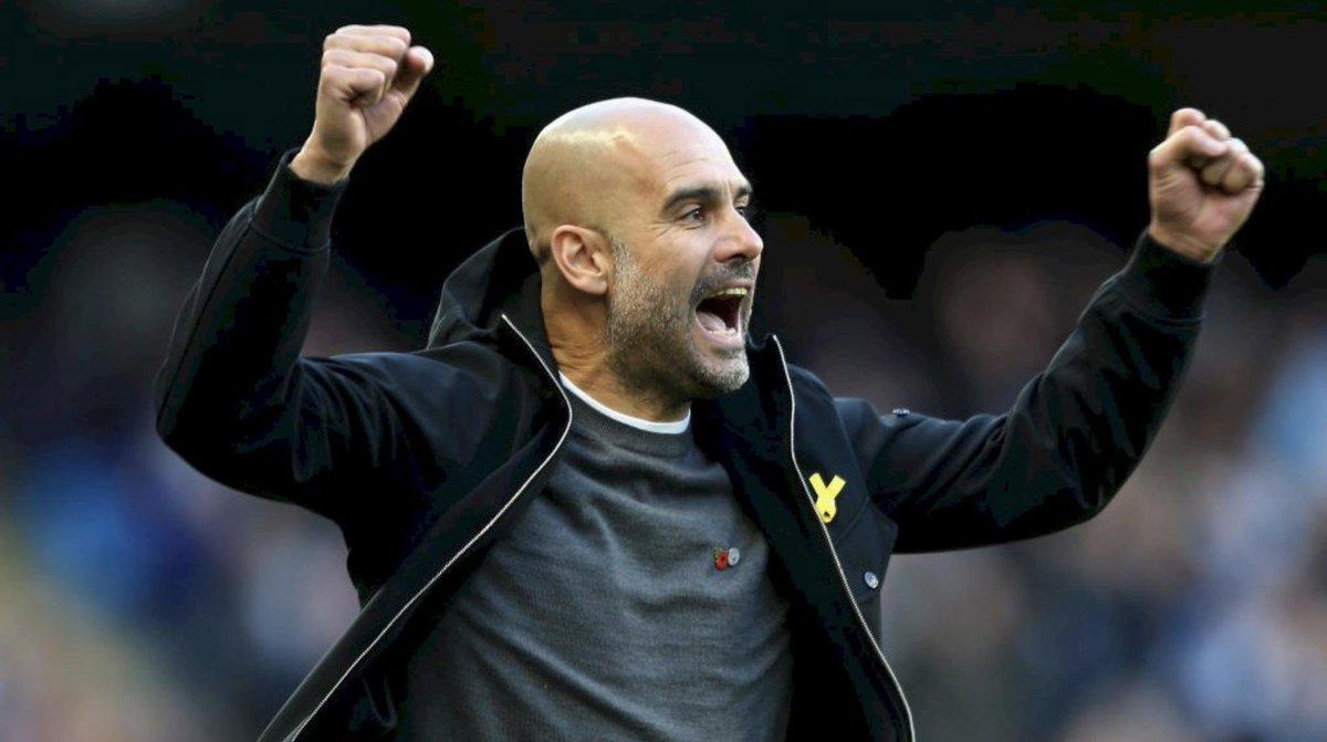 Pep Guardiola đạt thành tích có một không hai khi Man City đánh bại MU