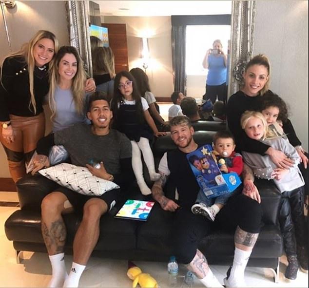 Klopp cập nhật tình hình chấn thương của Firmino trước khi Liverpool gặp Barca