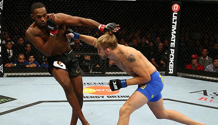 TRỰC TIẾP UFC 239: Jon Jones vs Thiago Santos