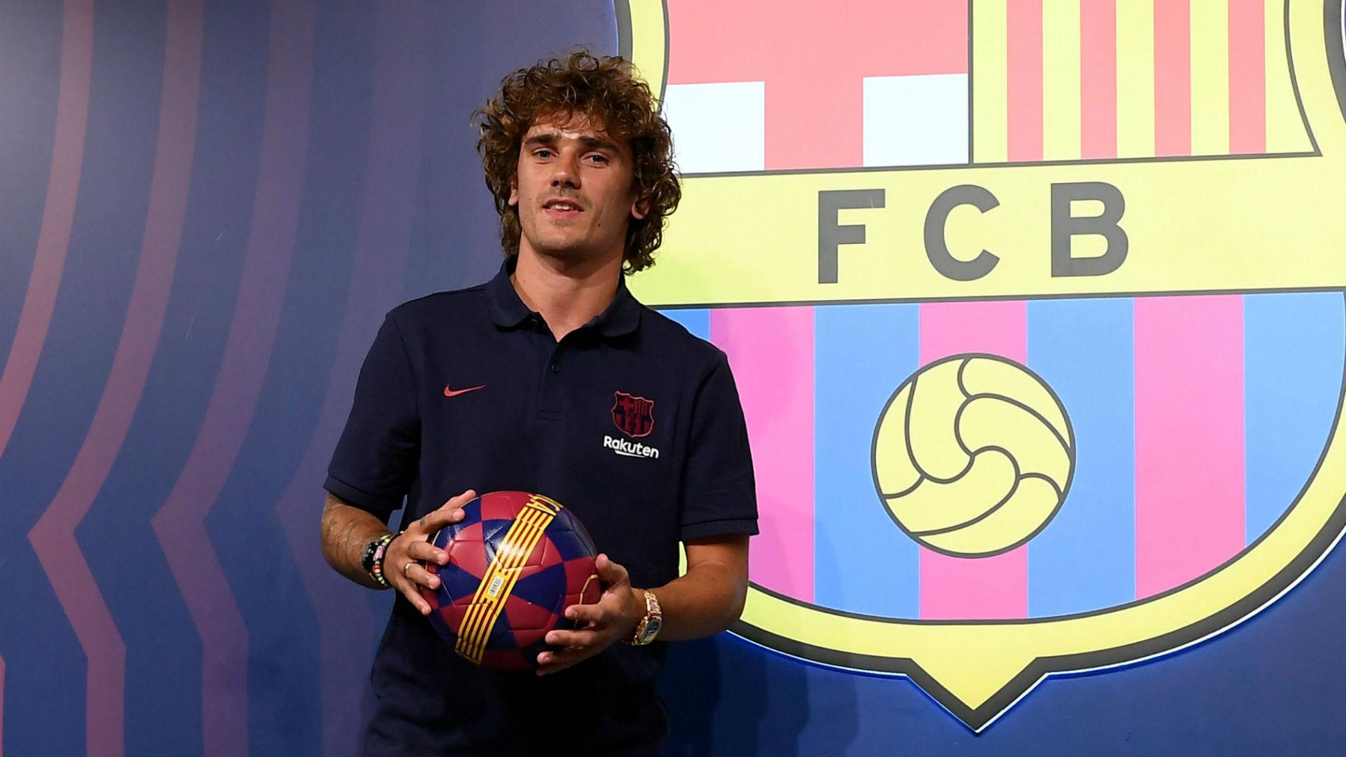 Người đại diện vạch trần chiêu trò Barca đang làm với tương lai của Coutinho