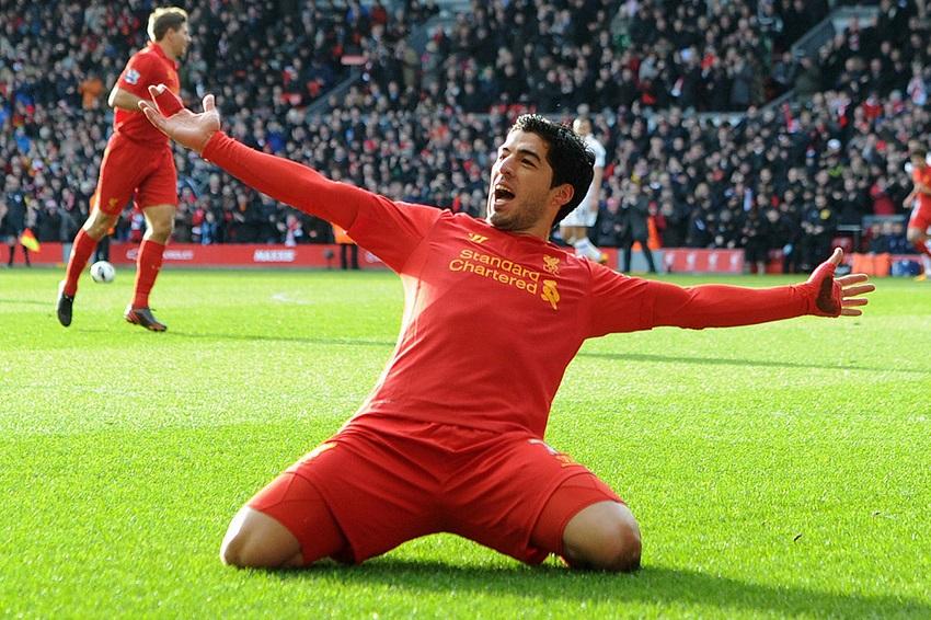 Firmino và 9 cầu thủ Liverpool cần bao nhiêu trận để ghi 50 bàn?