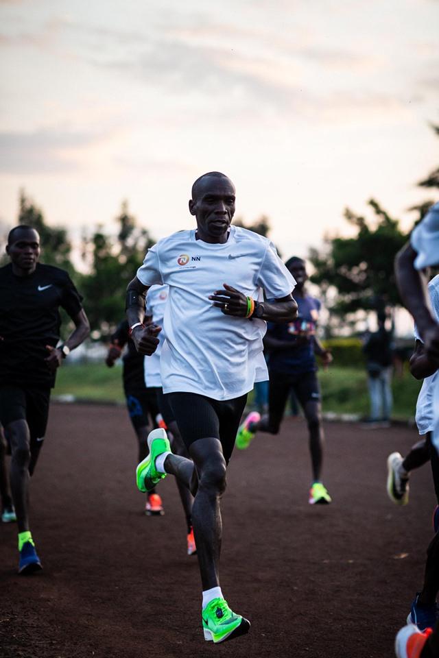 Eliud Kipchoge sẽ được trợ giúp thế nào để chinh phục giới hạn sub2 marathon?