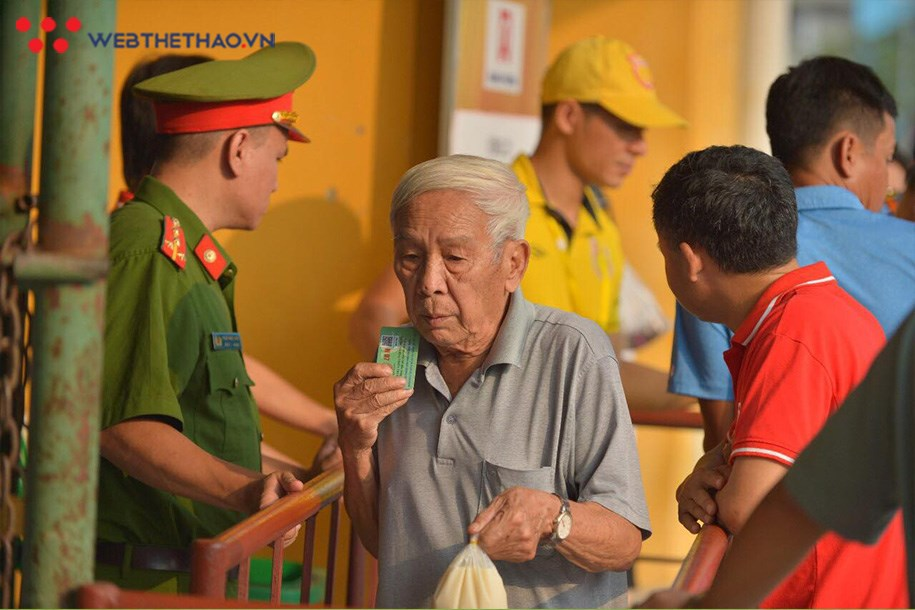 Nam Định xin lỗi NHM cả nước, siết chặt công tác an ninh ngăn pháo sáng