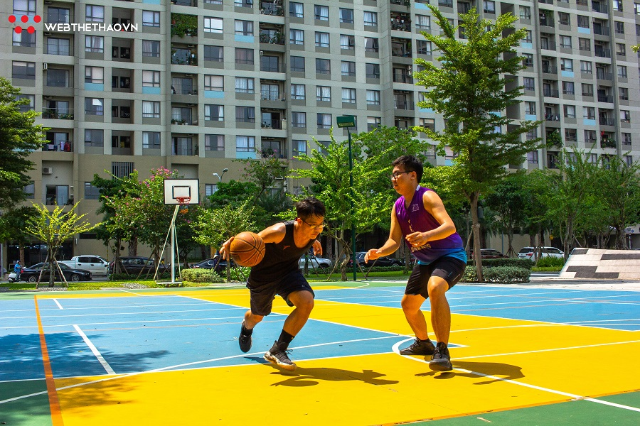 Chơi bóng rổ mùa dịch COVID-19: Nên làm gì để đảm bảo an toàn?