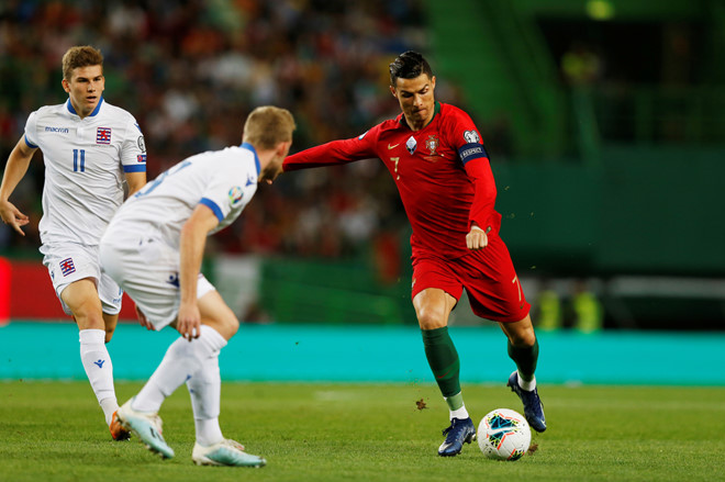 Ronaldo cần vượt qua 5 huyền thoại để giữ kỷ lục ghi bàn