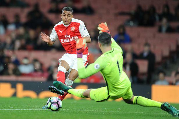 Malen là ai mà có thể khiến Arsenal chi 50 triệu bảng để mua lại?
