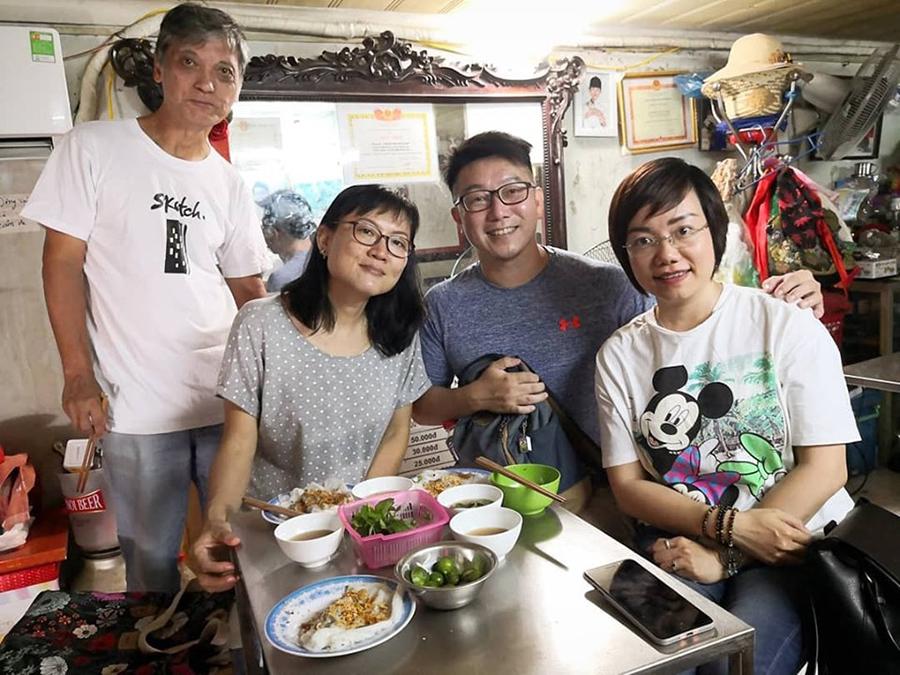 Hà Nội cổ kính đẹp sống động dưới tài phác họa của nghệ sĩ Singapore