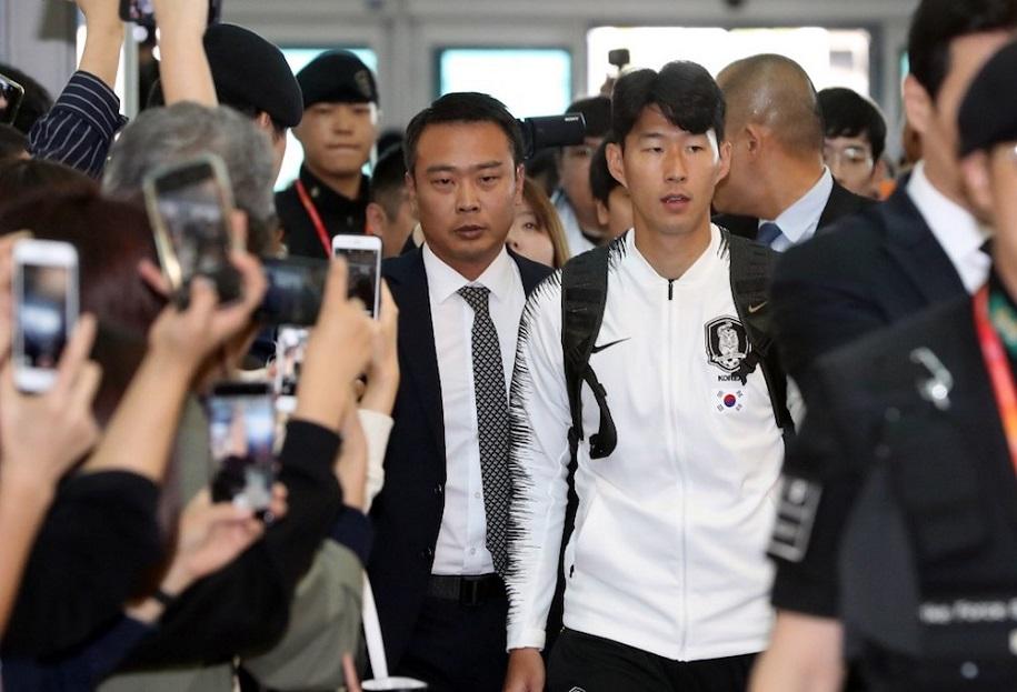 Derby bán đảo Triều Tiên: Vắng vẻ nhưng không tẻ nhạt