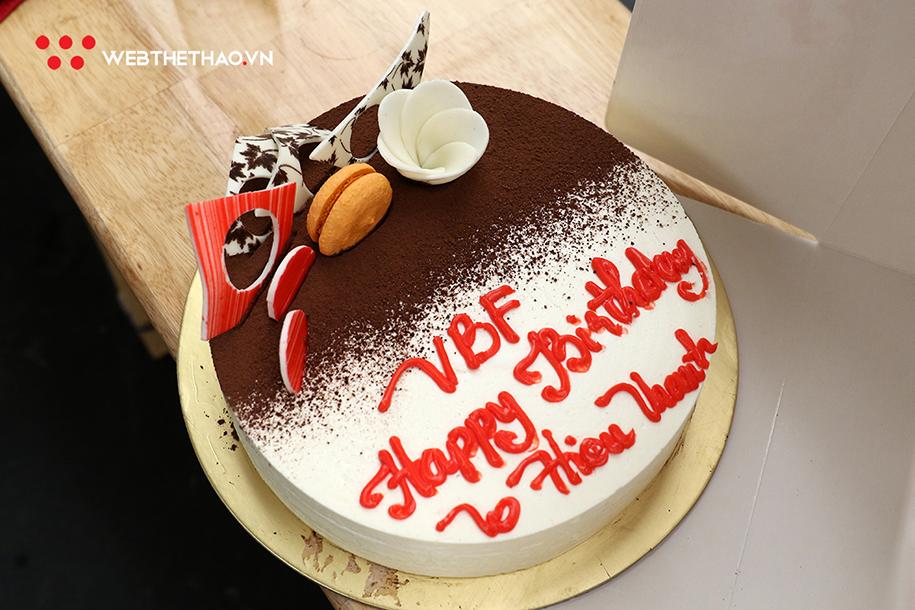 Đội tuyển bóng rổ Việt Nam tổ chức sinh nhật nhẹ cho Lê Hiếu Thành
