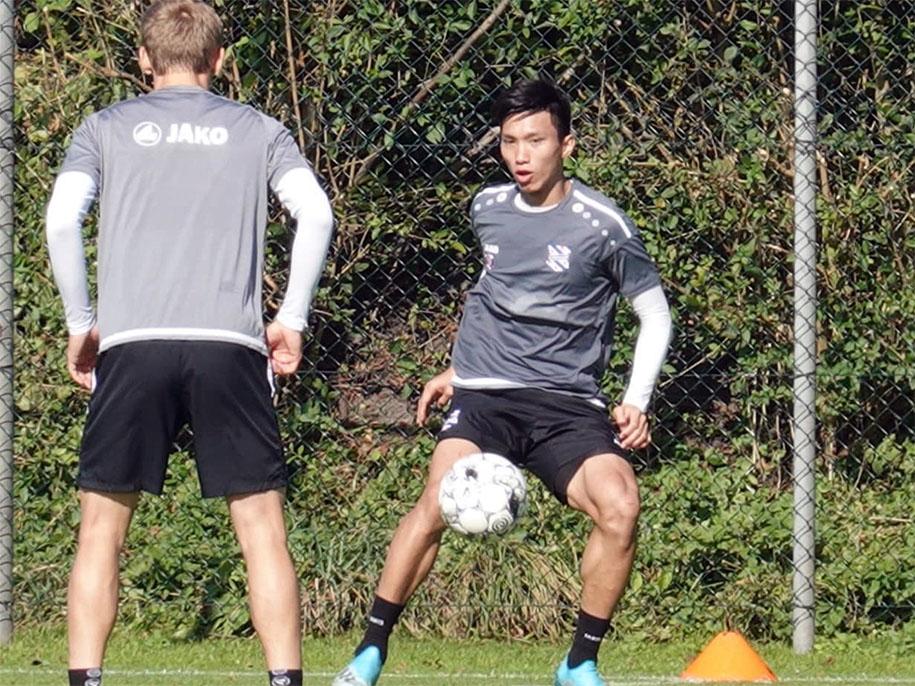 AZ đấu với Heerenveen: Văn Hậu ra sân ở Hà Lan sau màn trình diễn ở vòng loại World Cup?