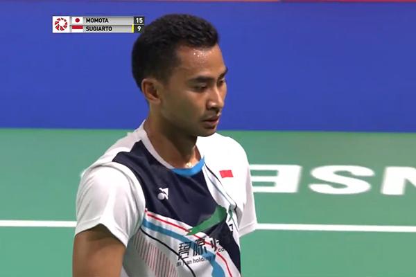 Kết quả cầu lông hôm nay 19/10: Kento Momota thong dong vào chung kết