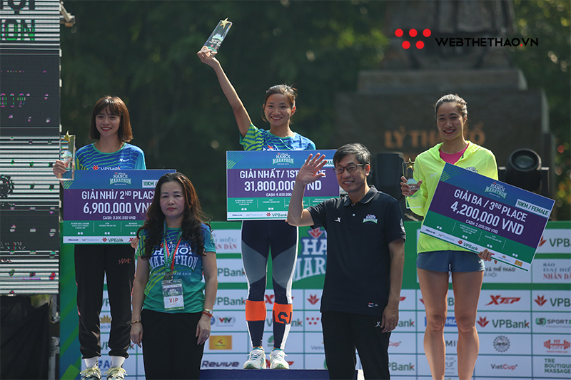 VPBank Marathon 2019: Các VĐV nam Trung Quốc thể hiện sức mạnh