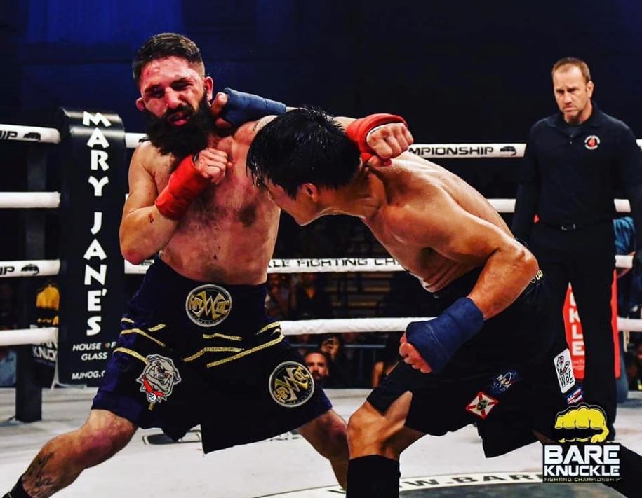Võ sĩ gốc Việt Đạt Nguyễn thành công trong trận đấu Boxing không găng đầu tiên