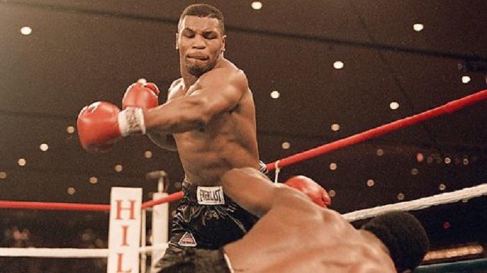Mike Tyson vs Trevor Berbick: Mike trở thành nhà vô địch trẻ nhất lịch sử