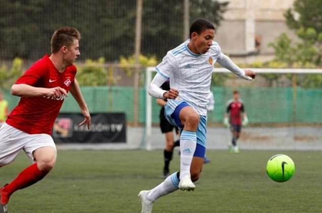 Tin bóng đá 24/10: MU giành được tiền đạo triển vọng 16 tuổi