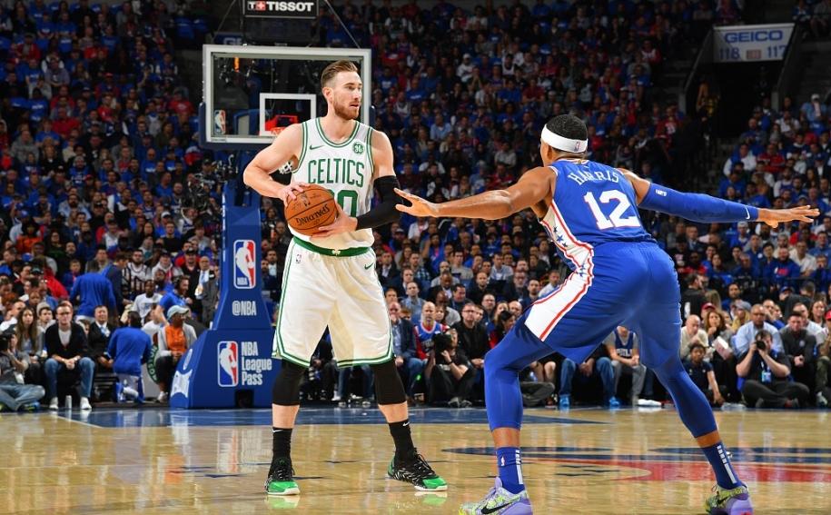 Philadelphia 76ers thắng thuyết phục Boston Celtics trong ngày ra quân
