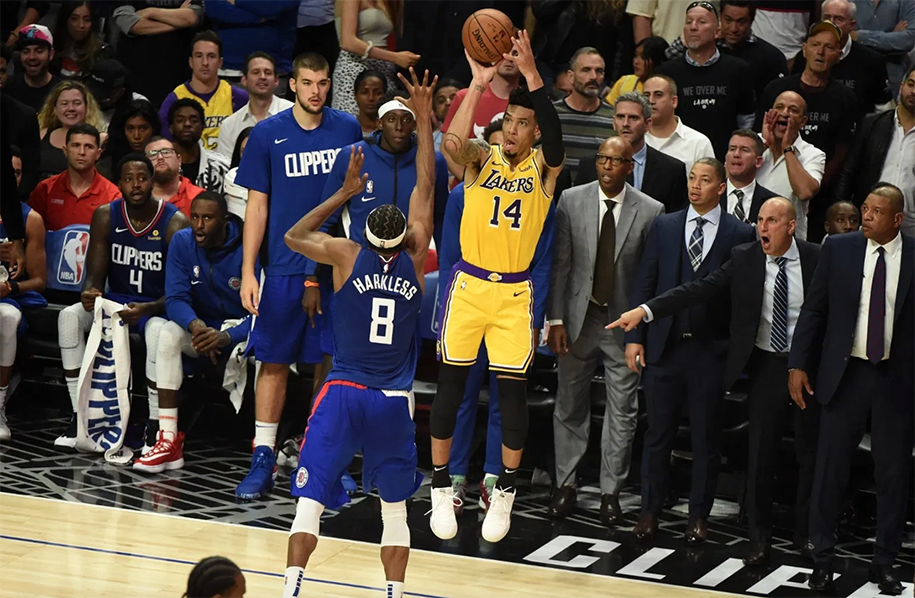 Không phải LeBron hay Davis mà Danny Green mới là cầu thủ Lakers làm nên lịch sử