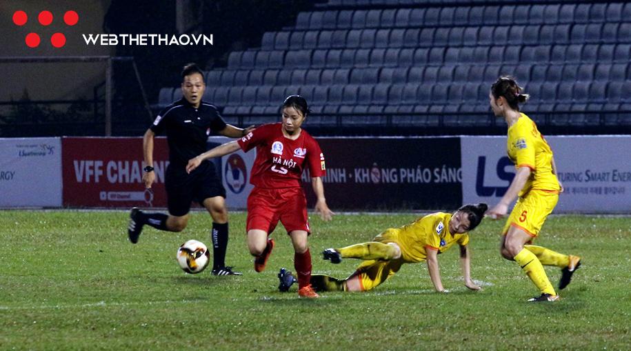 Hoang th%E1%BB%8B Loan - Info nữ cầu thủ 'sáng cả sân' Hoàng Thị Loan – phiên bản Đức Huy của ĐT nữ Việt Nam