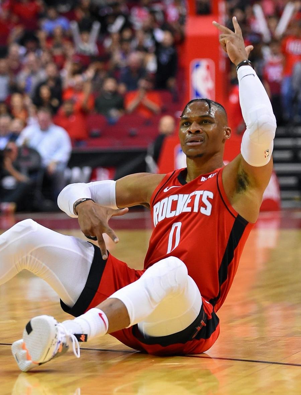 Giannis Antetokounmpo bùng nổ, Milwaukee Bucks đả bại Houston Rockets ngay tại H-Town