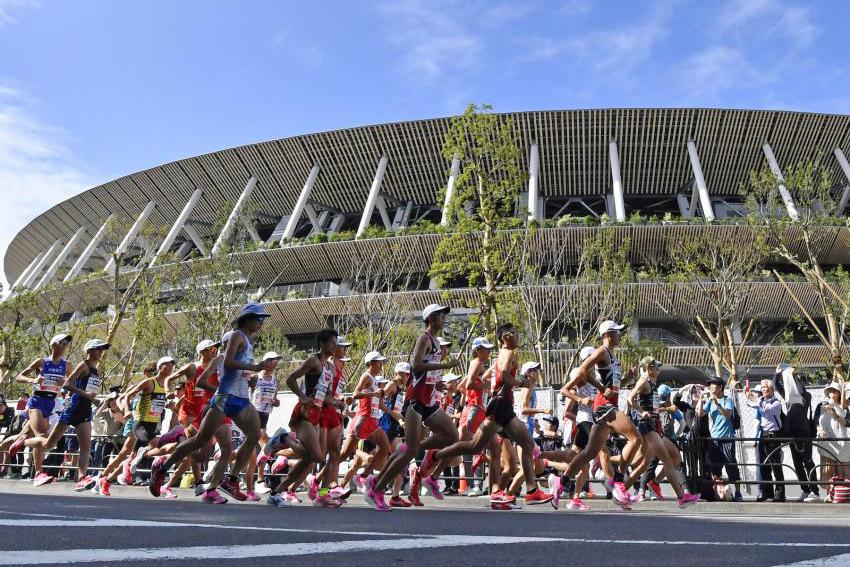 Longbien Marathon 2019 đón hàng trăm VĐV trong ngày đầu trả racekit