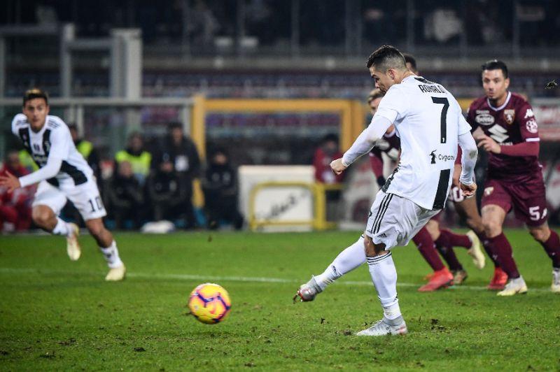 Sterling có phong độ tốt hơn cả Messi và Ronaldo trong năm 2019