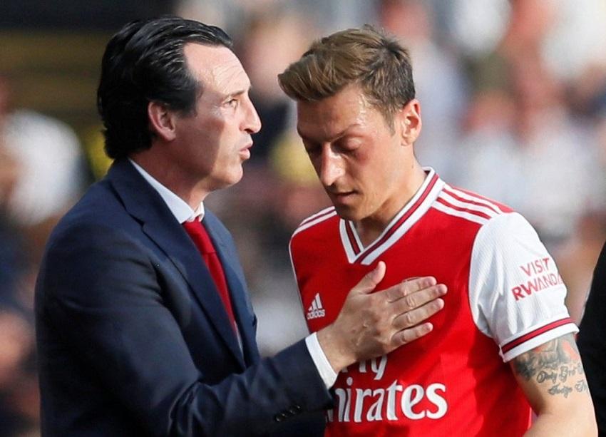 Tin bóng đá 27/10: Arsenal và Tottenham tính gây sốc với hậu vệ Liverpool